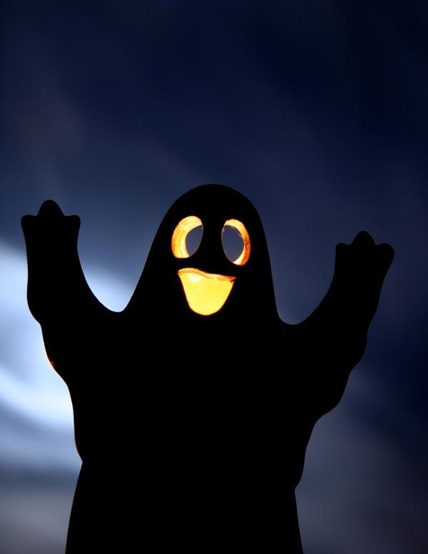 Halloween ghost 3 wide